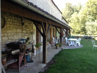 8 bedroom house for sale in Poitou-Charentes...
