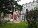 Manor House in St-Jean-d`Angély for sale