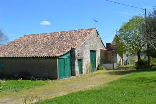 Farm House in Ste-Foy-la-Grande...
