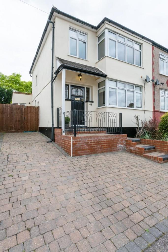 43 Westwood Ave, Bre