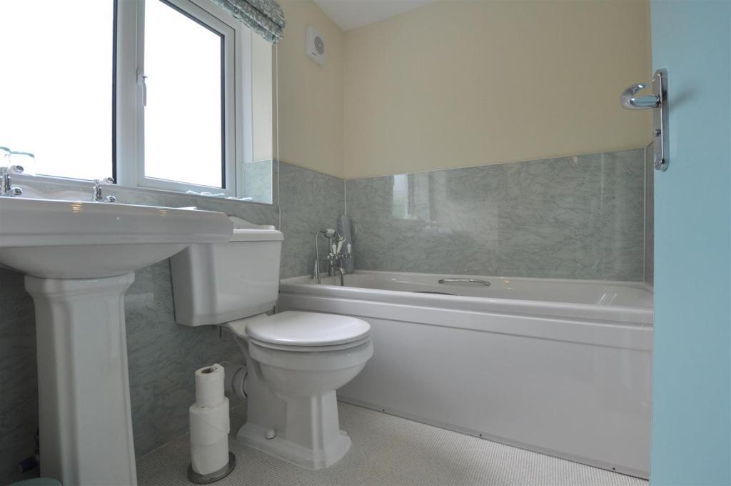 Room 3 Ensuite Bathr
