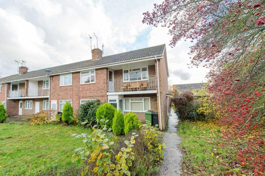 2 Bedroom Property To Rent In Birchington Close Maidstone ME14 5PF ME14