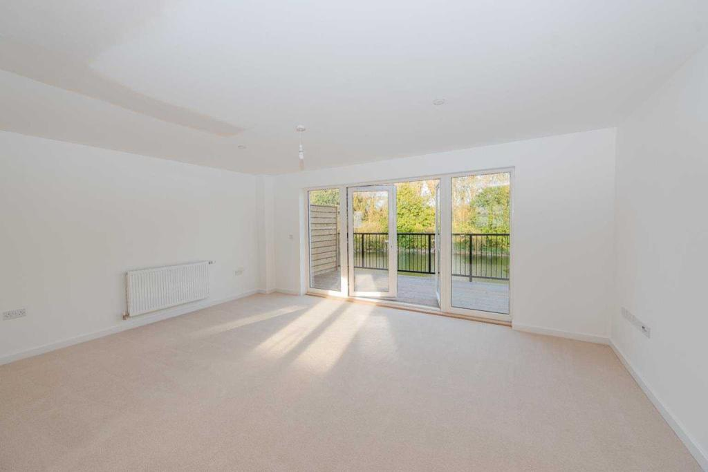 Kings Crescent, Aylesford, Kent, ME20 7FH-7