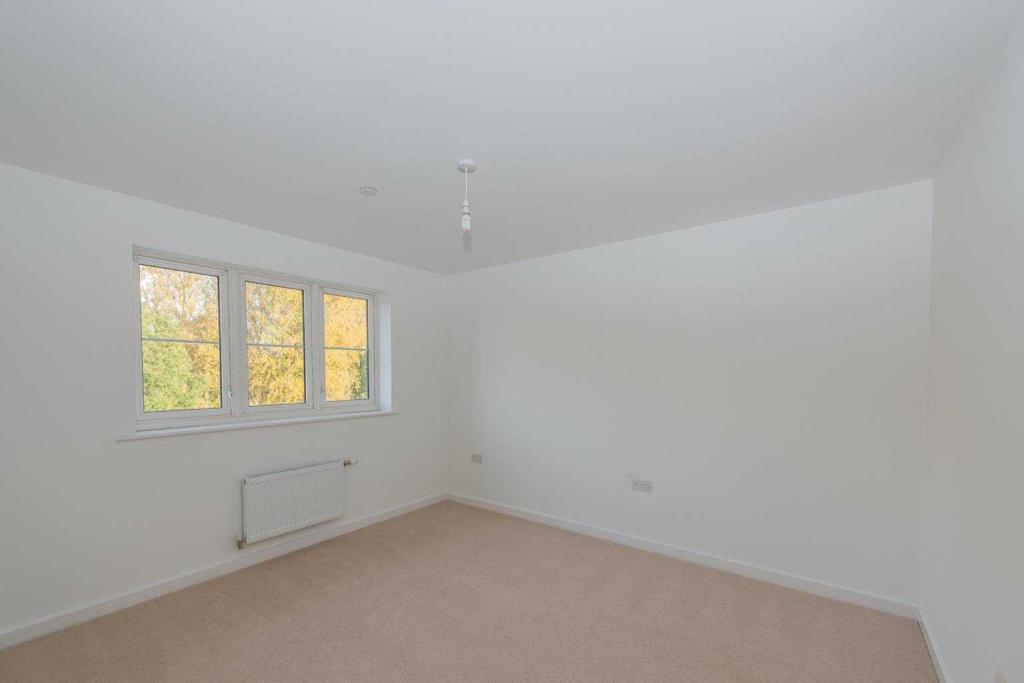 Kings Crescent, Aylesford, Kent, ME20 7FH-10