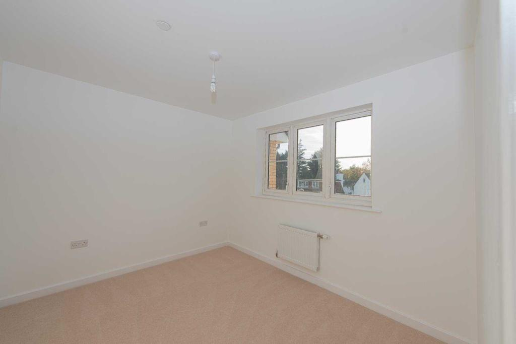 Kings Crescent, Aylesford, Kent, ME20 7FH-12