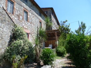 2 bed Terraced property in Tuscany, Lucca...