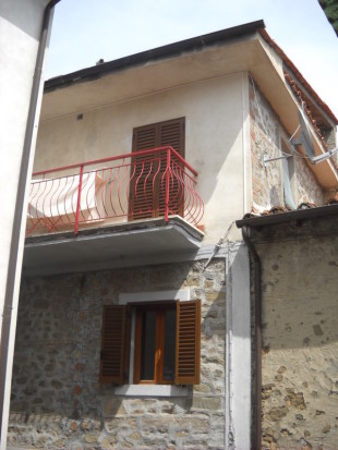 Terraced home in Tuscany, Lucca...