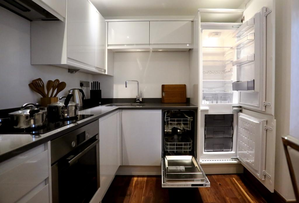Kitchen angle 3