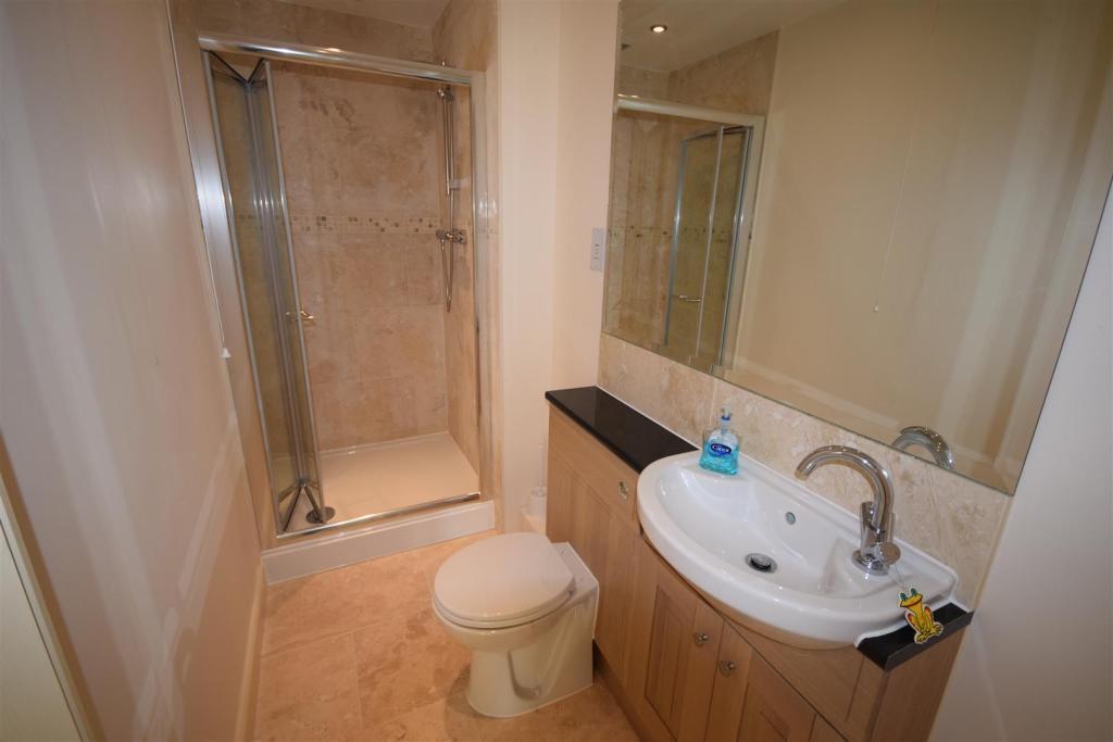 22 Plas Derwen Bath