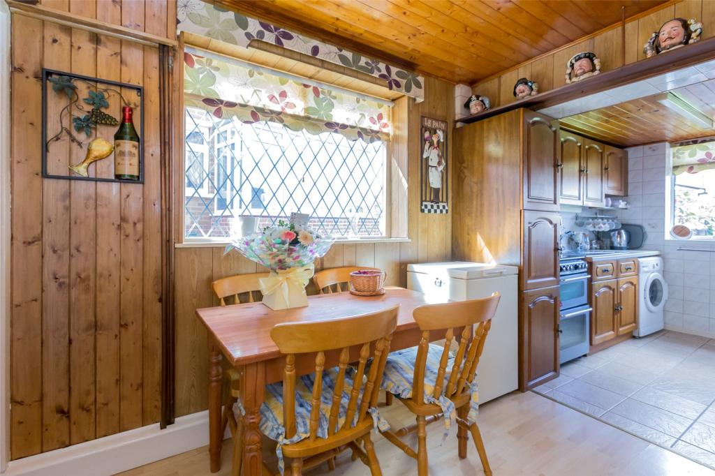 Utility Room/Dining