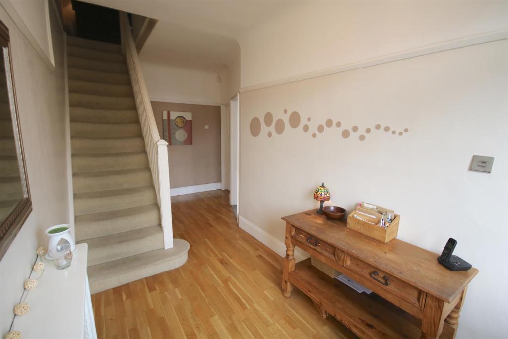 Enterance Hallway