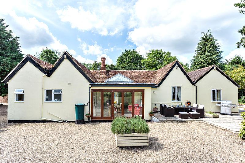 4 Bedroom Detached Bungalow For Sale In Park End Lane Braintree Cm7