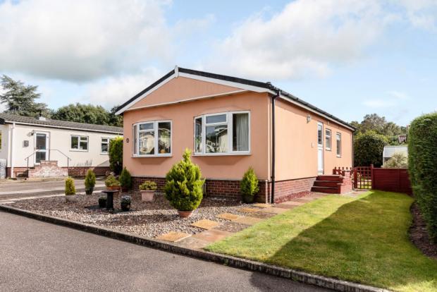 2 Bedroom Mobile Home For Sale In Warren Park Portsmouth Road Godalming Surrey Gu8 Gu8