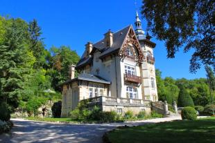 POUILLY EN AUXOIS Manor House for sale