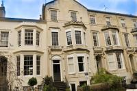 2 bedroom Flat for sale in Clarence Square...