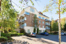 3 bed Flat for sale in 16 Glen Court...
