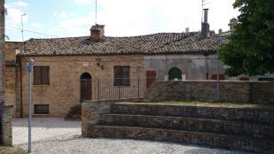 5 bedroom property in Montalto delle Marche...