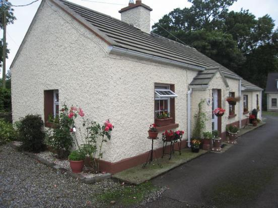 3 bedroom bungalow for sale in rose cottage ardbraccan for Cottages and bungalows for sale