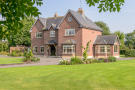 4 bed Country House in Old Coach Road...