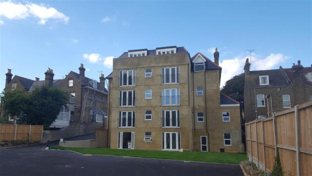 1 bedroom apartment for sale in south eastern road ramsgate ct11