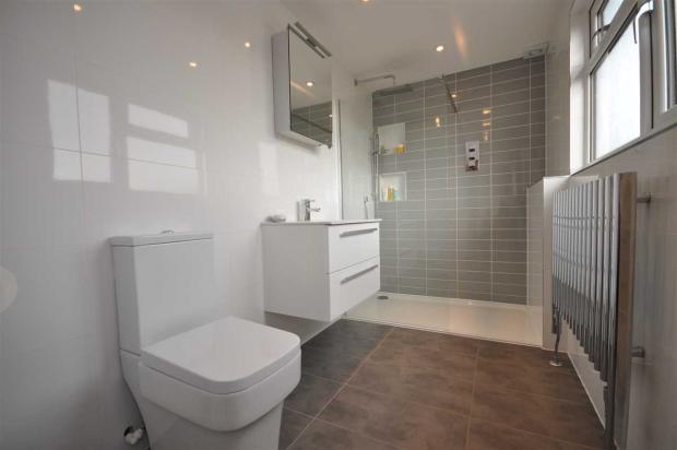 En suite Bathroom/