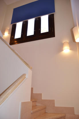 staircase to 1st fl.