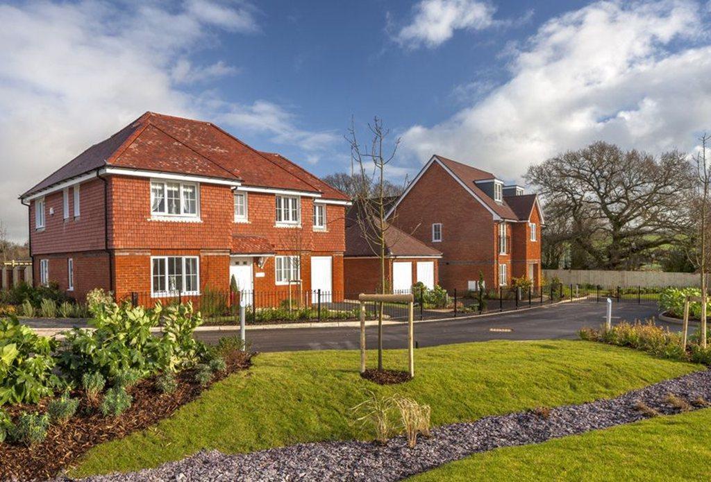 2 bedroom terraced house for sale in pearce way salisbury for 1 park terrace salisbury