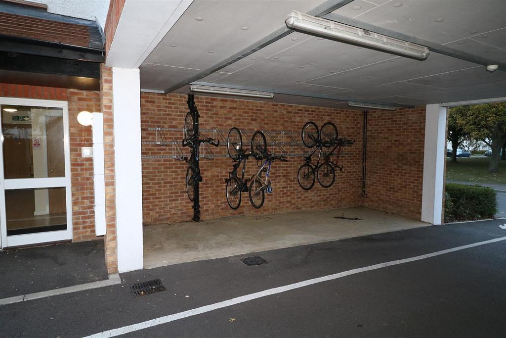 Bike store.JPG