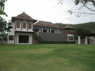 4 bedroom Detached Villa in Hua Hin