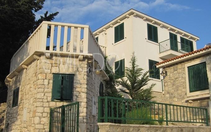 4 bedroom home for sale in Splitska, Brac Island...