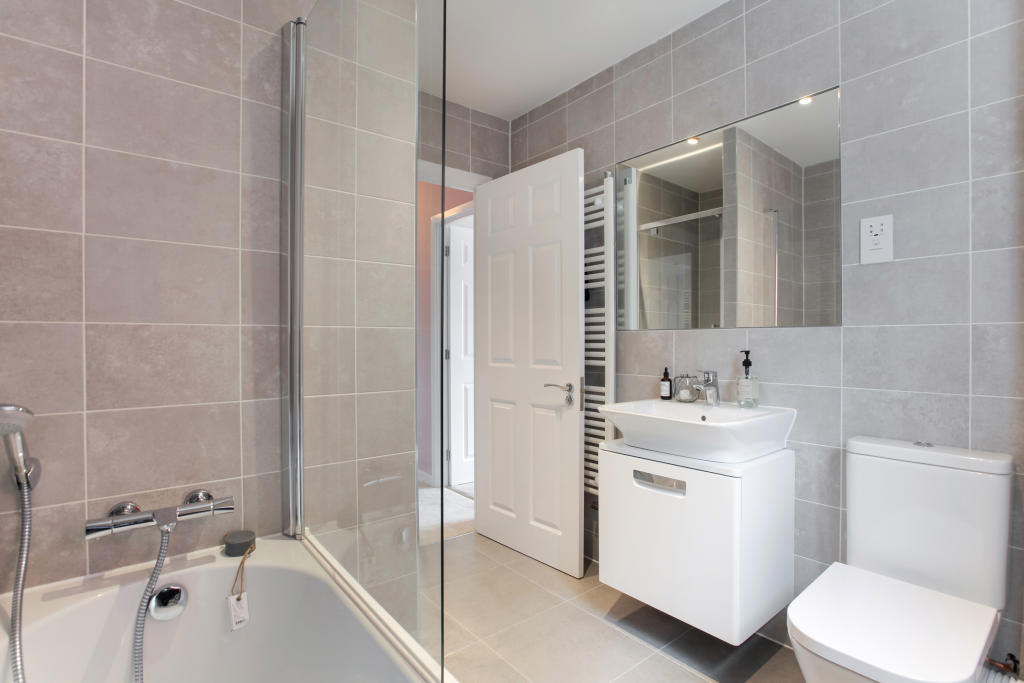 Berrington_bathroom