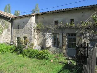 Detached home for sale in Poitou-Charentes...
