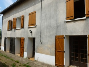 4 bedroom property for sale in Poitou-Charentes...