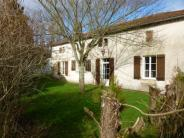 4 bed Detached home in Poitou-Charentes...