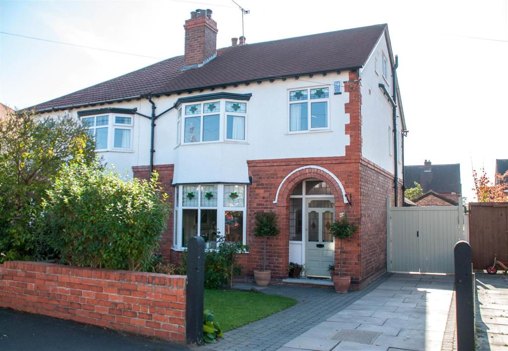 Bed Semi Detached House For Sale