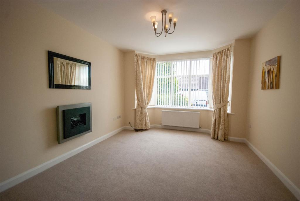 4 Bedroom Semi Detached House For Sale In Butterbache Road Huntington Chest