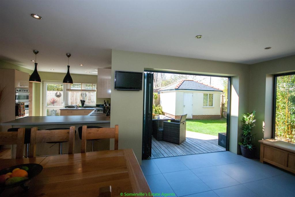 Dining Space & Famil