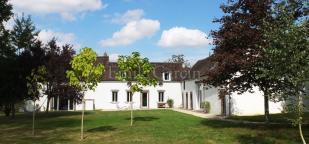 Villeneuve- su-Yonne house