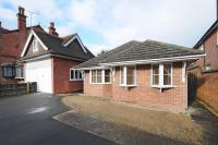 Detached Bungalow to rent in Caversham, Reading
