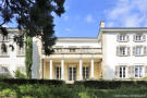 Character Property for sale in Regni� Durette , France