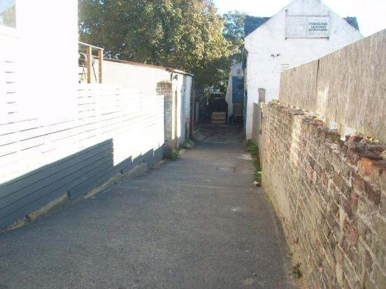 Garage to rent in just off st johns road st leonards tn37 for Garage saint just