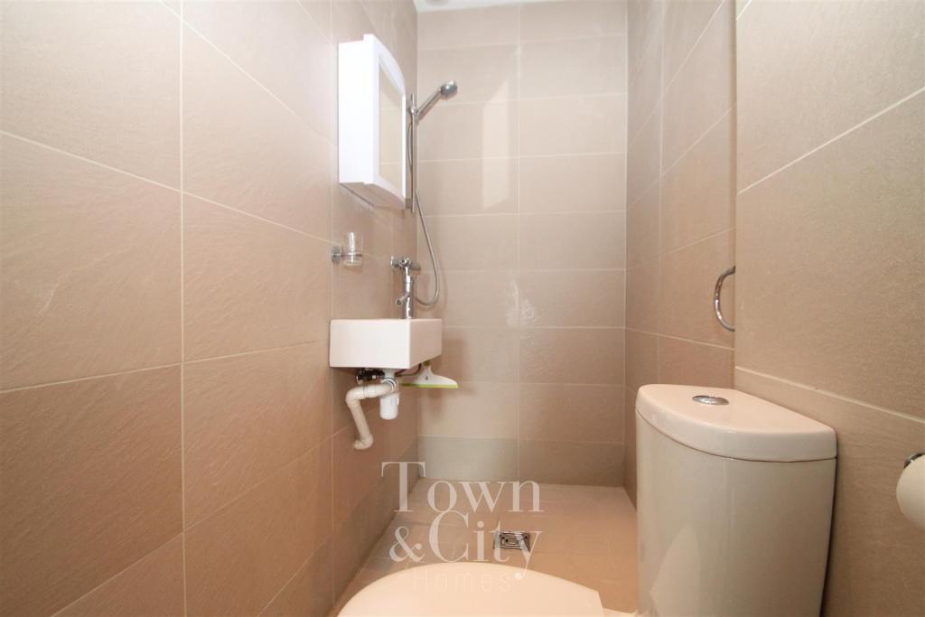 Flat Shower Room.JPG