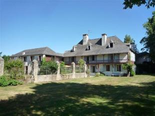 5 bed Character Property in Oloron  , France