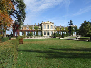 14 bedroom property for sale in SAUVETERRE DE GUYENNE...