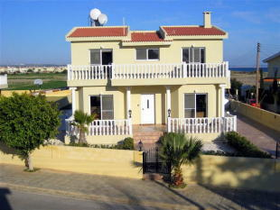 4 bed Detached property in Agia Thekla, Famagusta