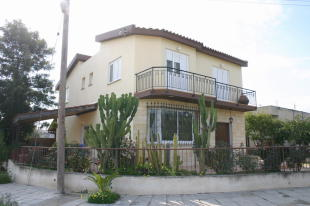 Detached property in Latsia, Nicosia