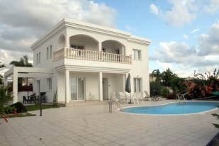 Detached house for sale in Agios Georgios, Paphos