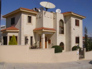 5 bedroom Detached house for sale in Pyrgos, Limassol