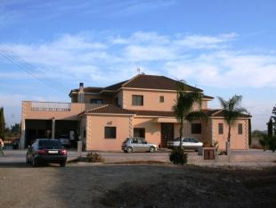 5 bedroom Detached property for sale in Liopetri, Famagusta