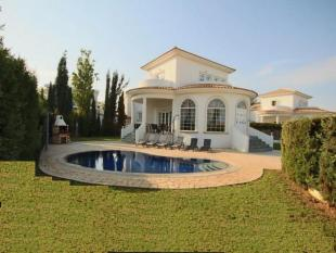 4 bedroom Detached house for sale in Agia Thekla, Famagusta